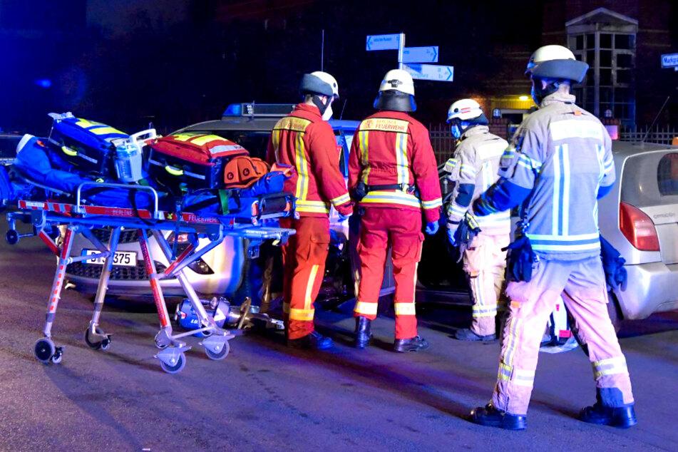 Zwei Polizisten wurden dabei verletzt.