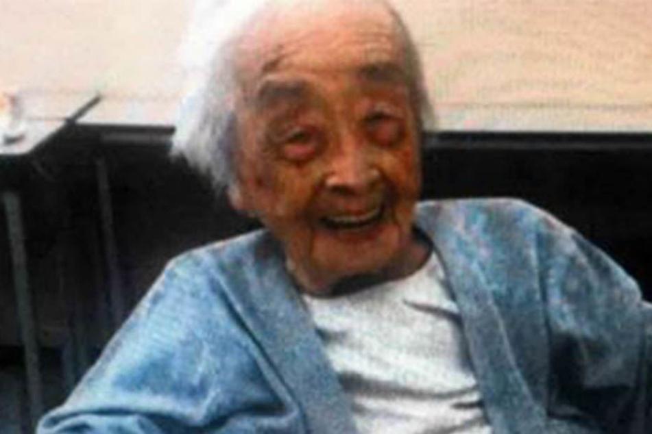 Chiyo Miyako (117†) lebt nicht mehr.