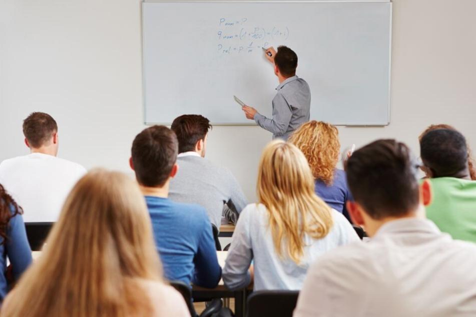 Professor stellt Schülern Betrüger-Falle: So viele fielen drauf rein