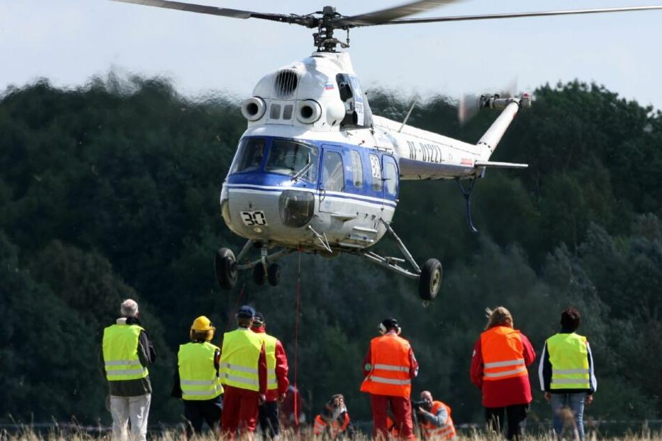 Mit einem Hubschrauber musste der Mann in ein Krankenhaus gebracht werden. (Symbolbild)