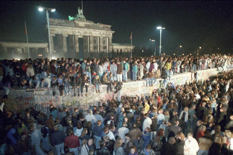 Vor 30 Jahren gab es an der Berliner Mauer kein Halten mehr.