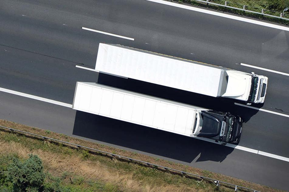 Das Navi bauen die Diebe noch aus, bevor sie zwei vollbeladene Lastwagen vom Gelände einer Spedition im Harz fahren. Doch das reichte nicht aus. (Symbolbild)