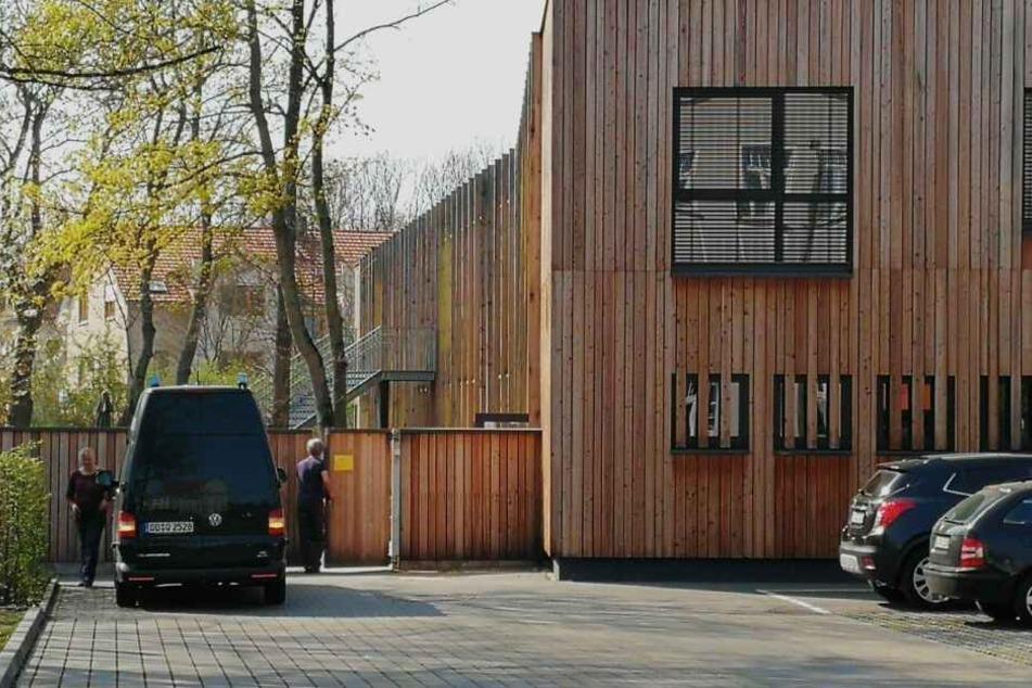 Mitarbeiter der Kriminalpolizei wurden ebenso wie Rettungsdienst und Gesundheitsamt am 8. April in die Kita im Leipziger Süden gerufen.