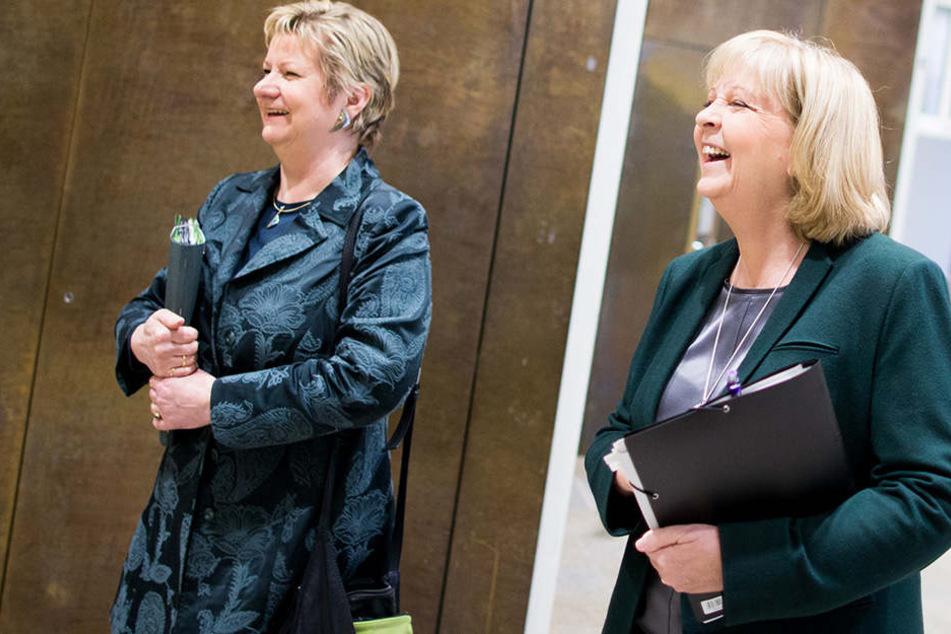 Sylvia Löhrmann (li./Grüne) und Ministerpräsidentin Hannelore Kraft (re./SPD) glauben an den Gewinn.