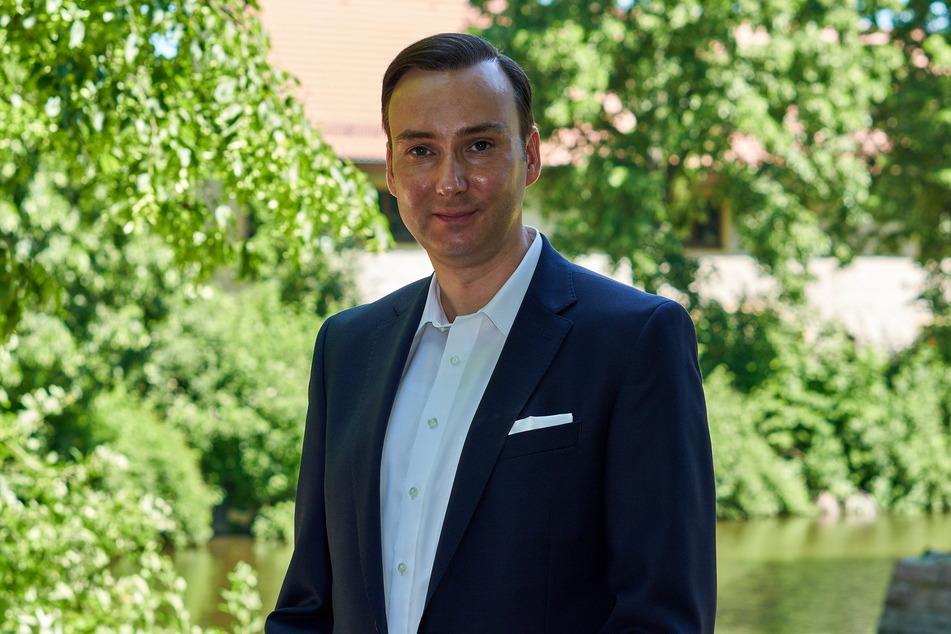 Stadthistoriker Sandro Schmalfuß (43) will den Bärenbrunnen in die Chemnitzer Innenstadt zurückholen.