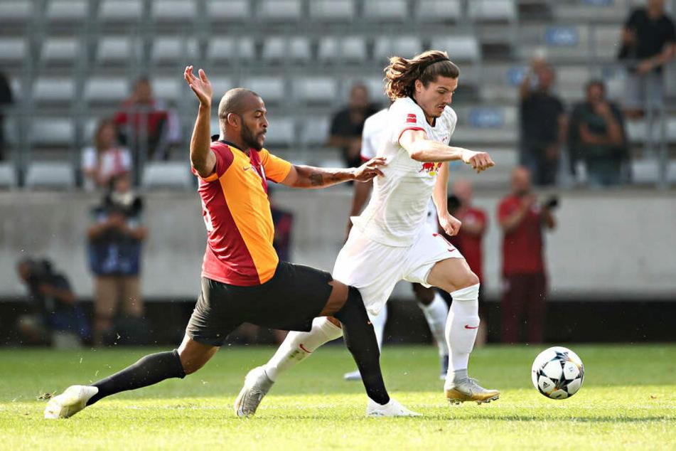 Marcel Sabitzer (r.) zog sich im Testspiel gegen Galatasaray Istanbul (3:2) ein Supinationstrauma im rechten Sprunggelenk zu, fällt auf unbestimmte Zeit aus.