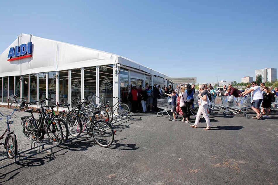 Kunden stürmen ALDI in Leipzig: Der Grund ist einfach