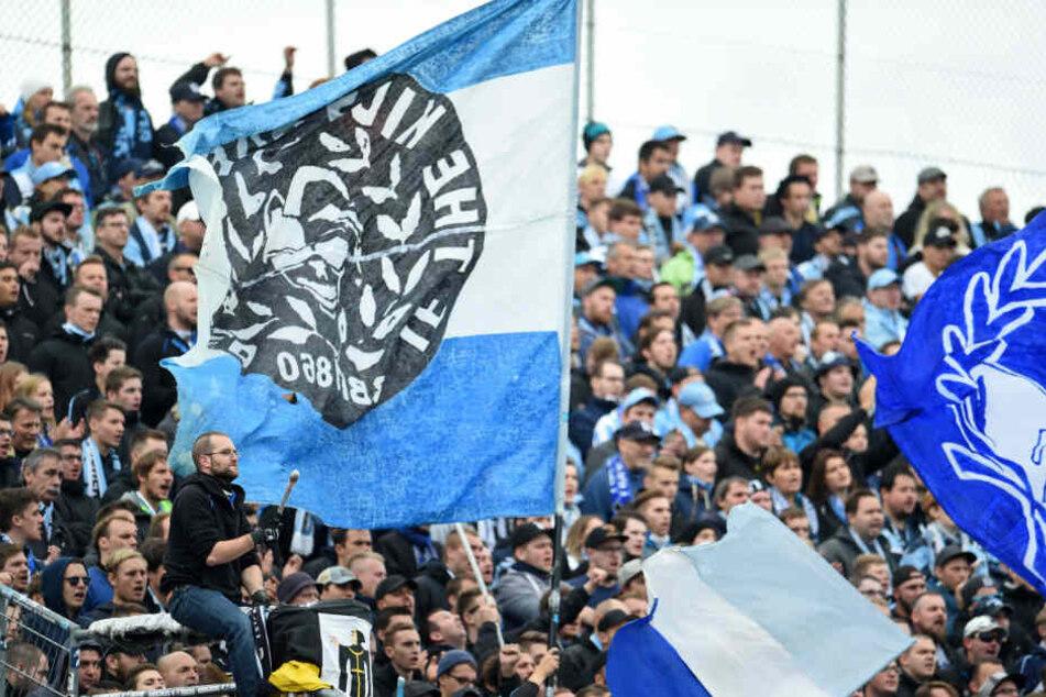 (Löwen)-Fans, die die Partie nicht im Stadion sehen, können sie im Ersten verfolgen.