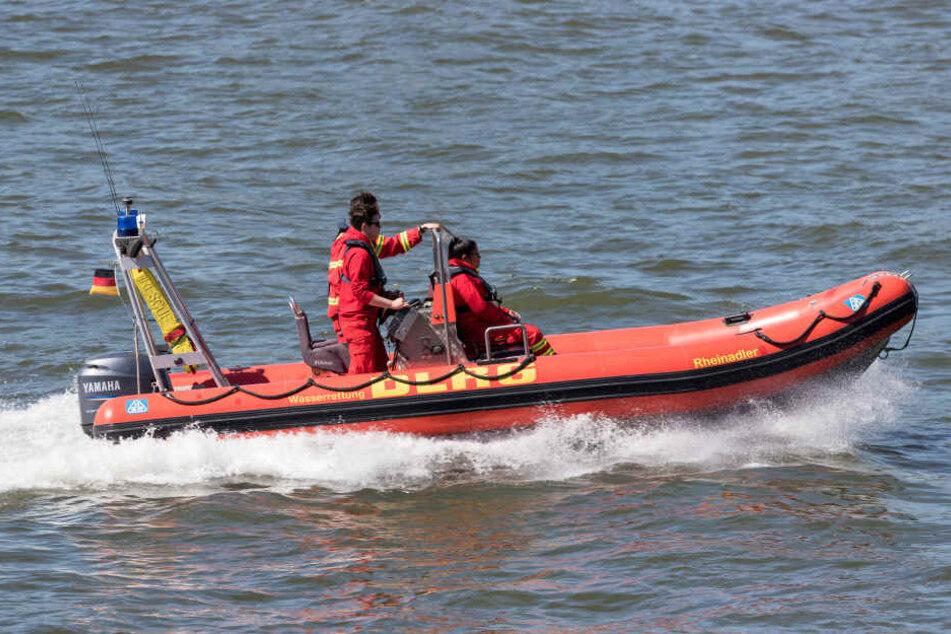 Mitarbeiter des DLRG fanden die Leiche am Donnerstagabend (12.07.18).