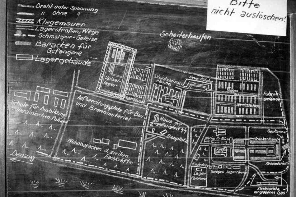 Das Foto zeigt einen Lageplan des damaligen KZ Stutthof.