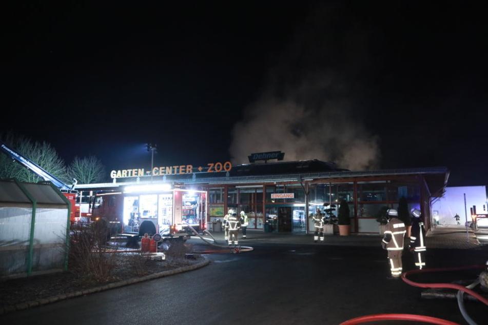 In Brockwitz brannte das Garten-Center an der Dresdner Straße.