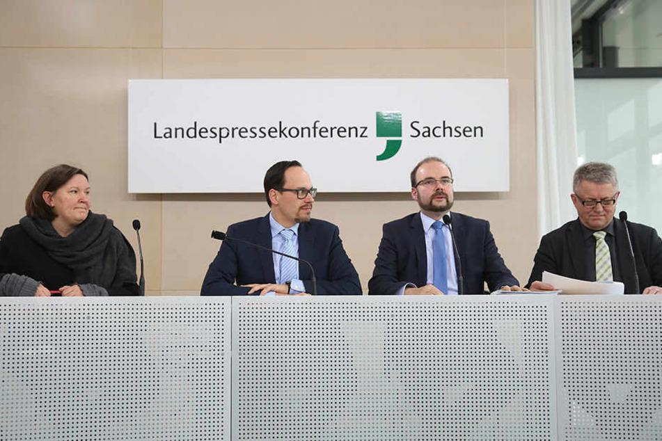 Verkündeten die Einigung: Sabine Friedel (42, SPD), Dirk Panter (43, SPD), Christian Piwarz (41, CDU) und Lothar Bienst (60, CDU).