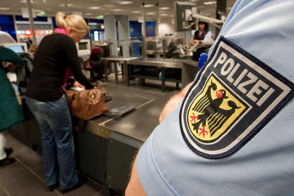 Die Bundespolizei konnte am Leipziger Flughafen gleich zwei Kriminelle hintereinander abfangen (Symbolfoto).