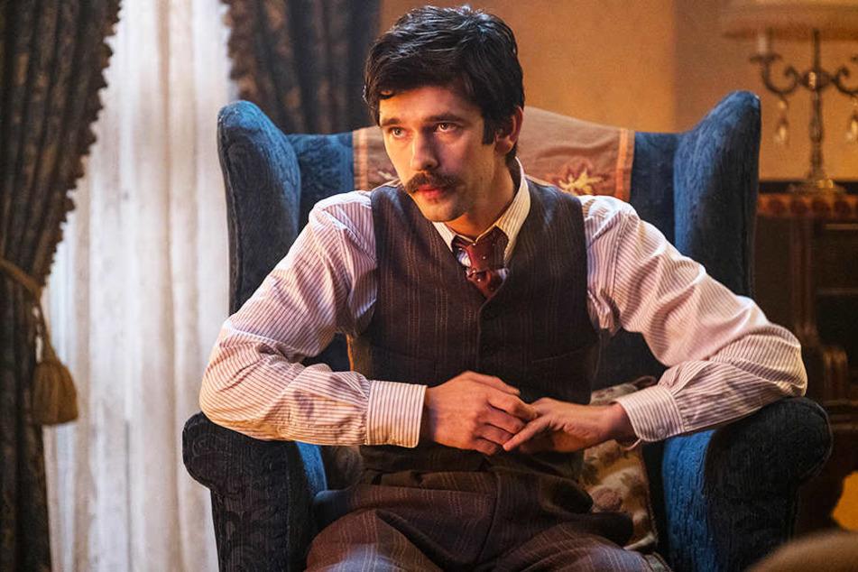 Michael Banks (Ben Whishaw) versucht alles, um das Haus weiterhin in den Händen seiner Familie zu wissen.