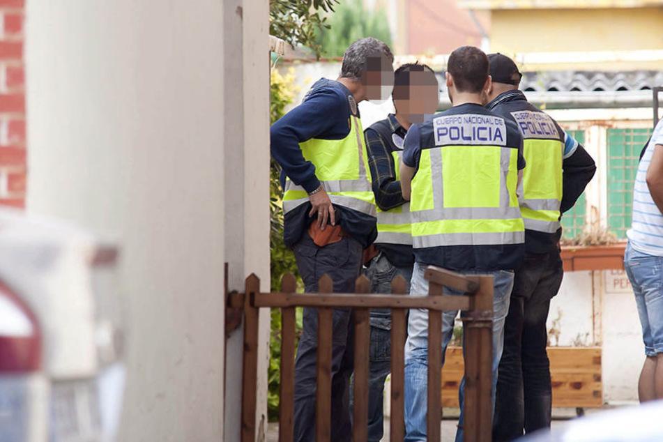 Bei einem Großeinsatz in Barcelona wurde der 35-jährige Verdächtige festgenommen. (Symbolbild)