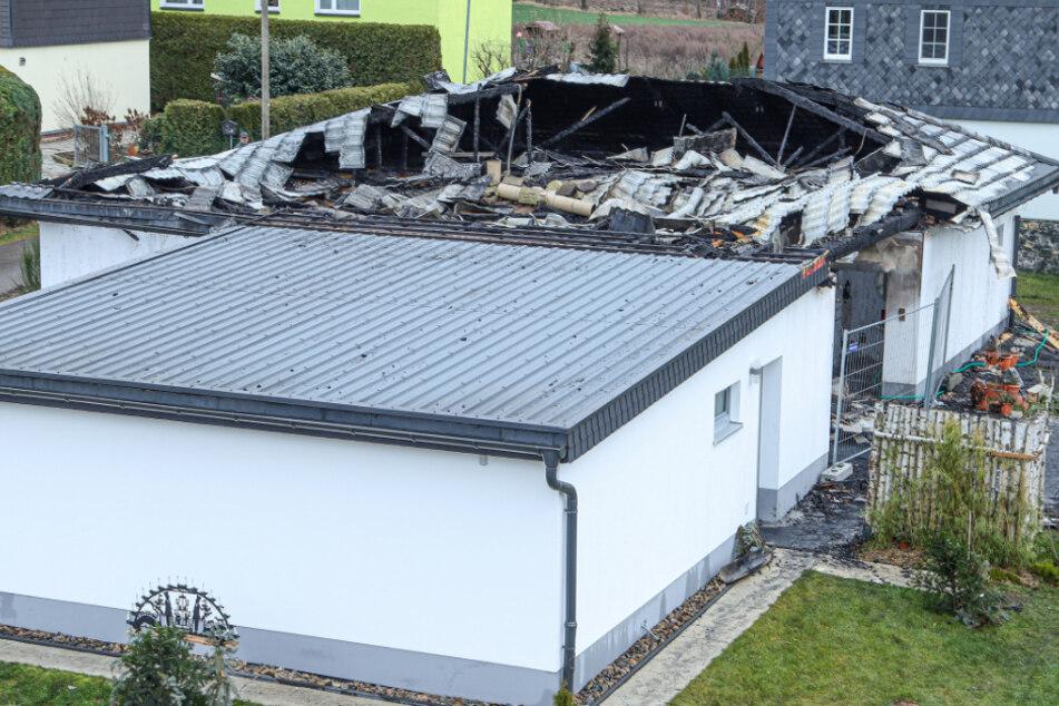 Brand-Tragödie in Sachsen: Einfamilienhaus brennt komplett aus