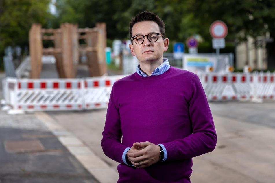 Mehrere Baustellen in der Ulmenstraße nacheinander statt in einem Abwasch: Darüber beklagt sich FDP-Stadtrat Jens Kieselstein (40).