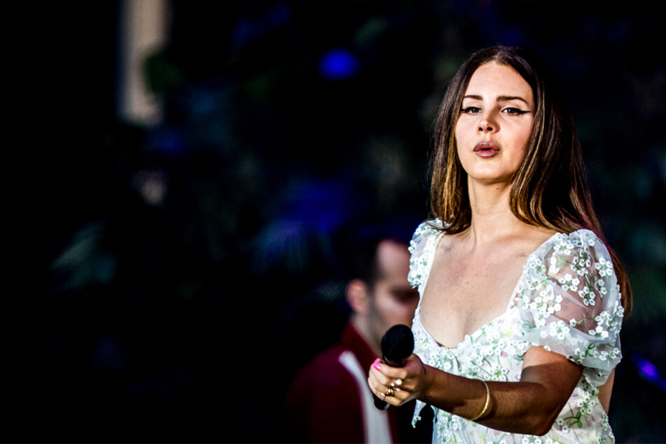 Lana Del Rey returns to her roots with Blue Banisters