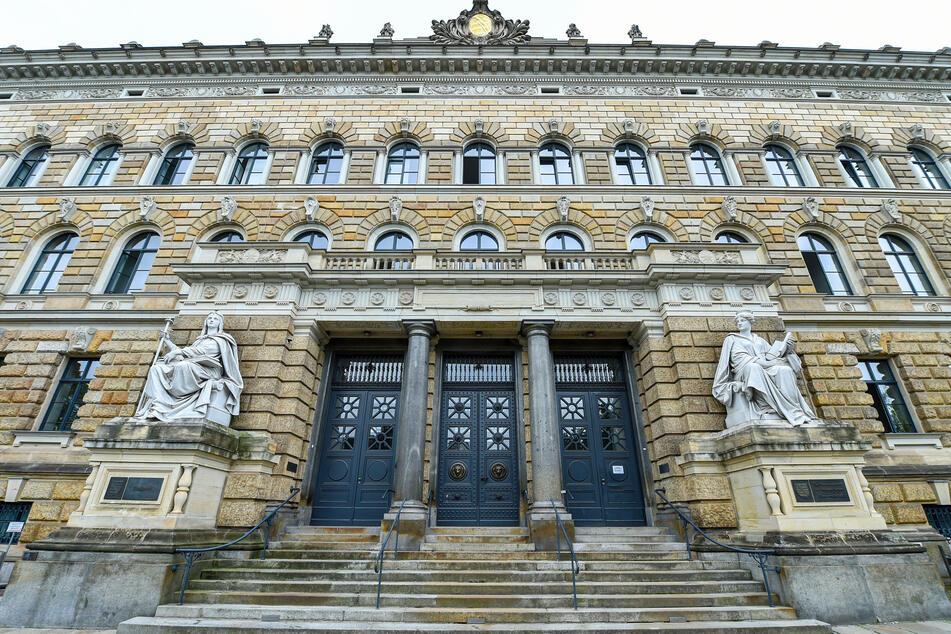 Dresdens Richter müssen sich immer wieder mit Maskenmuffeln beschäftigen, die ihr Bußgeld nicht akzeptieren.