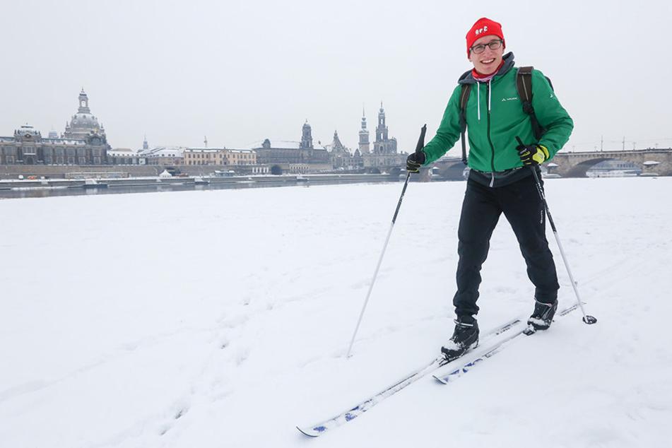 Wintersport vor malerischer Kulisse. Medizinstudent Franz Mierke (25) kam zum  Langlauf an die Elbe.