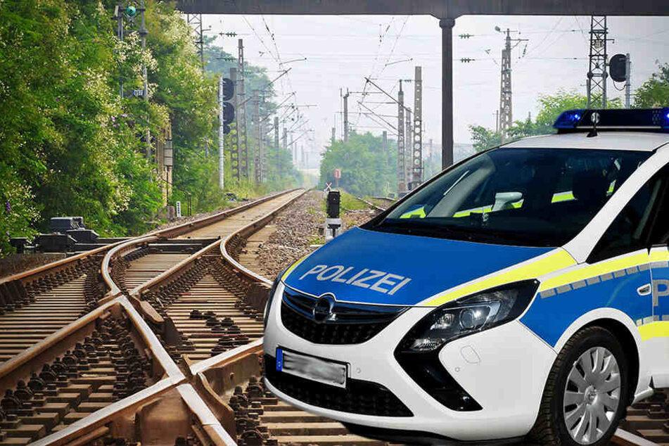 Frau wird an Bahnübergang von Zug erfasst und stirbt
