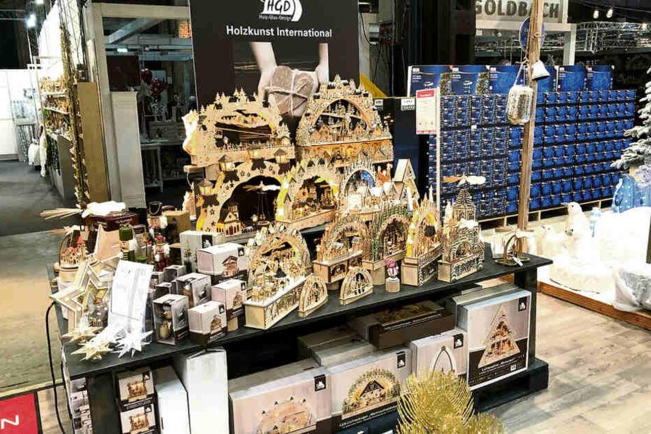 """Wenn etwas nicht aus dem Erzgebirge kommt, kennzeichnet die Firma Saico die Holzkunst als """"International"""". Trotzdem gibt es Streit."""
