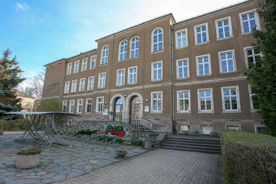 An der Oberschule Gablenz sind innerhalb weniger Tage 100 Kinder erkrankt.