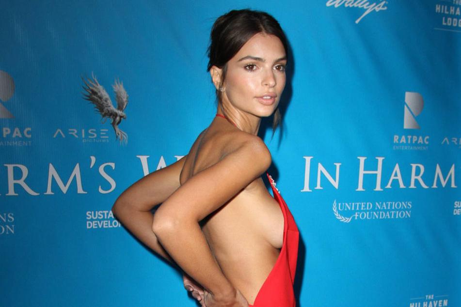Model Emily Ratajkowski (25) spart auch auf dem roten Teppich gerne an Stoff.