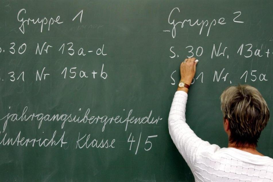 Das klassische Bild: Lehrer an der Tafel vor den Kindern. Das wird es in Finnland nicht mehr geben.