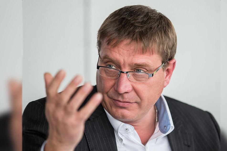 Der Landtagsabgeordnete Mario Pecher (56, SPD) streit noch immer mit seiner Mutter wegen der einstigen Kneipe in Zwickau.