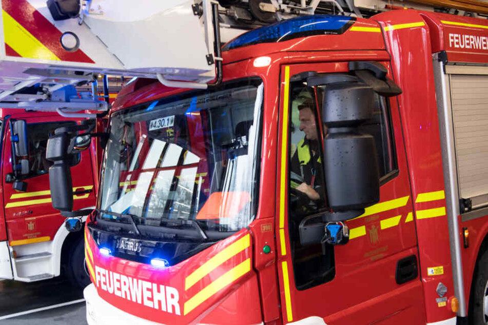 Die Feuerwehr musste aufgrund eines Brandes in Regenstauf ausrücken. (Symbolbild)