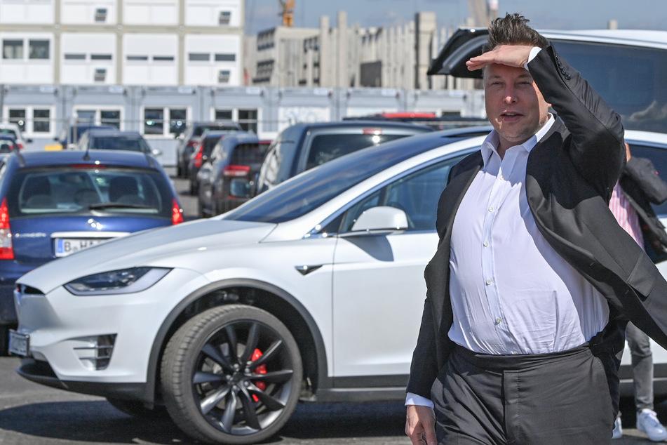 Tesla-Chef Elon Musk (49) im September 2020 auf der Baustelle der Tesla Gigafactory in Grünheide bei Berlin.