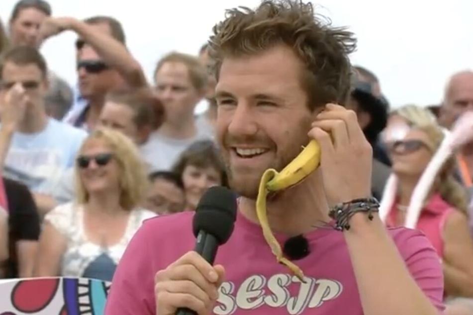 Während seines Balla-Balla-Auftritts telefonierte Komiker Luke Mockridge mit einer Banane.