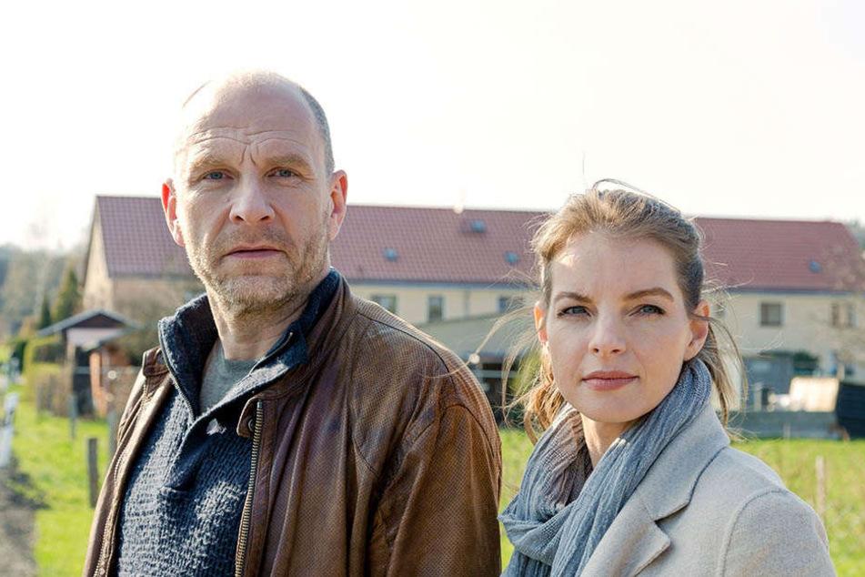 """Am 15. Dezember (20.15 Uhr, ARD) ist Götz Schubert mit Yvonne Catterfeld (37) in Wolfsland: """"Tief im Wald"""" zu sehen."""