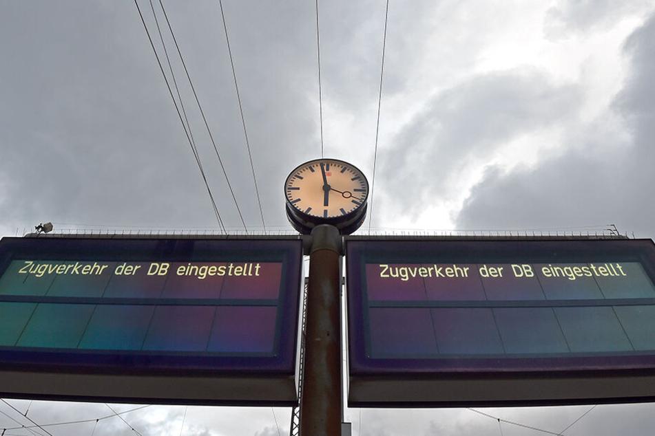 Während Sturmtief Eberhard musste die Deutsche Bahn den Zugverkehr komplett einstellen. (Archivbild)