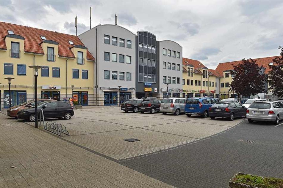 Tatort Parkplatz am Hohenbusch-Center in Weixdorf.