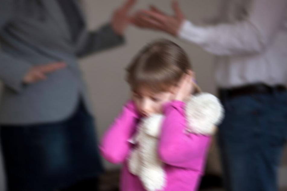 Nach dem Streit um das Sorgerecht für das Mädchen, erhielt der Vater den Zuspruch. (Symbolbild)