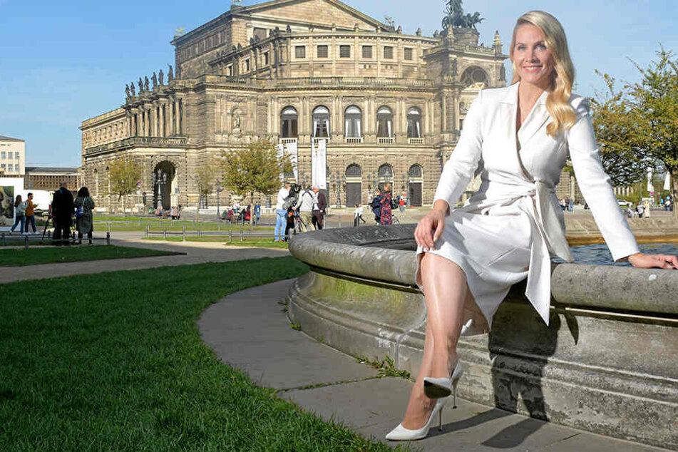 """Die Neue an Rolands Seite: """"Miss Tagesschau"""" Judith Rakers (43) freut sich auf den SemperOpernball in Dresden."""