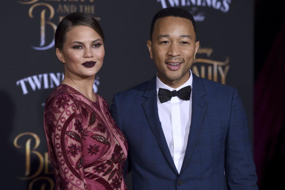 Chrissy Teigen will auch mit Ehemann John Legend keine Liebe von hinten mehr machen.