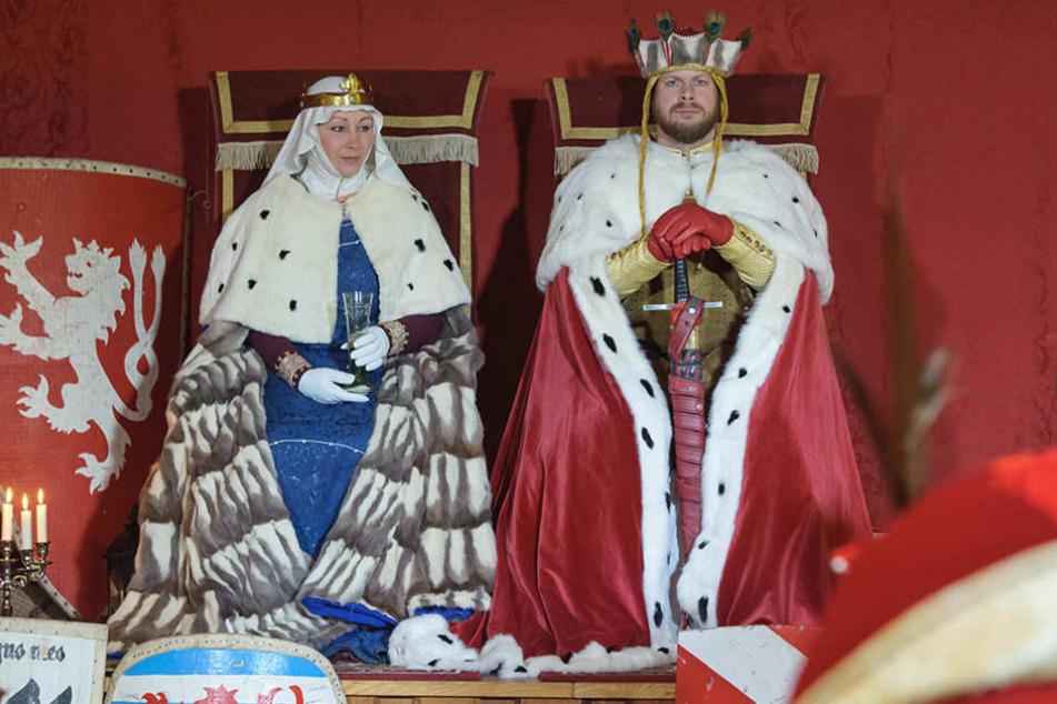 Als bömisches Königspaar bekriegten und versöhnten sich Sabine und Tonio  Werl.