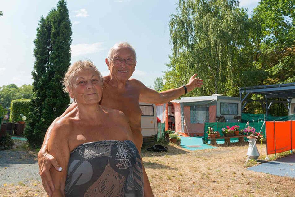 Im Strandbad zu Hause: Monika (77) und Gerhard Schramm (82) verbringen seit fast 40 Jahren hier die Sommer.