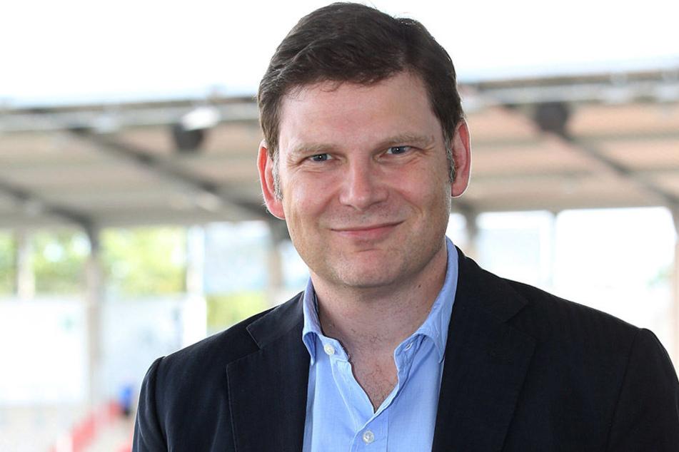 Diplom-Wirtschaftsjurist Arndt Jaworski ist seit über 17 Jahren in der Sportvermarktung zuhause und war bereits als Vorstand des 1. FC Kaiserslautern tätig.