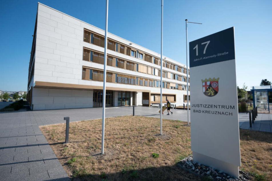 Der Prozess findet vor dem Landgericht Bad Kreuznach statt.