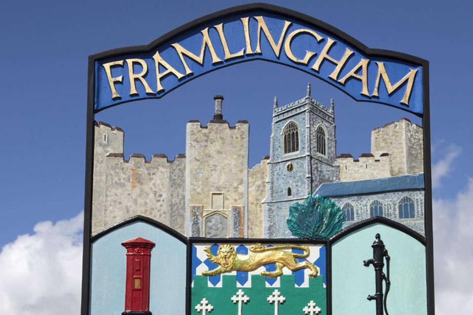 Das Ortseingangsschild von Framlingham, Ed Sheerans Wohnort im Osten Englands.