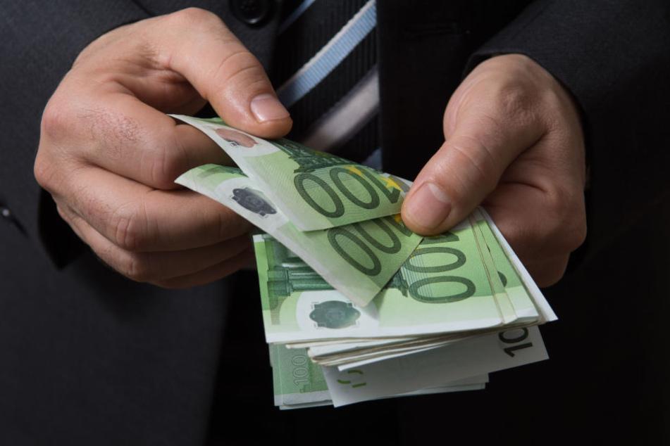 Der aktuelle Gehaltsreport von StepStone zeigt, wer wo meisten verdient.