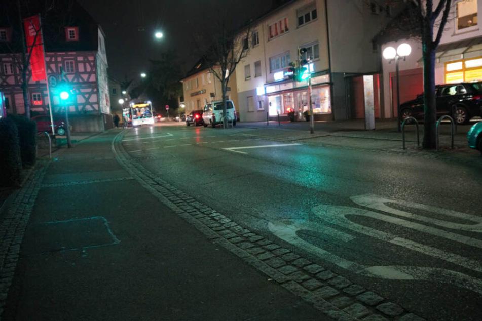 In dieser Straße wurde ein Kind von einem Auto erfasst.
