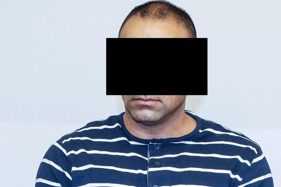 Tasev R. (39) half laut Anklage, 316 Flüchtlinge nach Deutschland und Österreich zu schleusen.