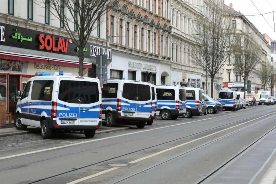 Am Dienstagmorgen kam es erneut zu einer Razzia auf der Eisenbahnstraße.