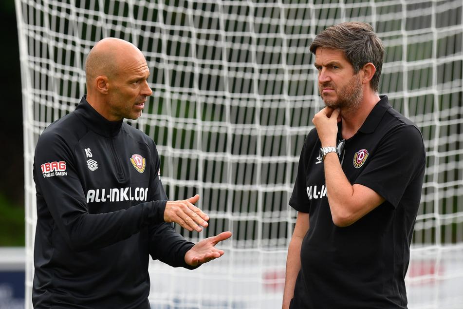 Dynamo-Trainer Alexander Schmidt (l.) und Sportdirektor Ralf Becker basteln weiter am Kader.