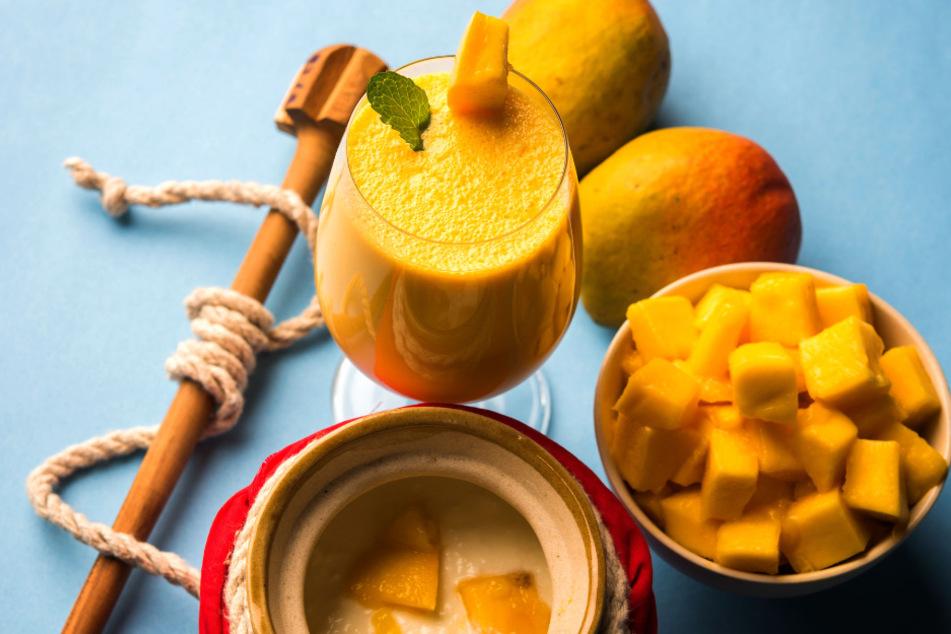 Der Mango Lassi ist ohne Alkohol.